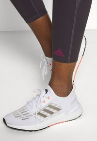 adidas Performance - COMMUTER 7/8 - Medias - purple - 3