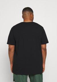 Johnny Bigg - ESSENTIAL V NECK TEE - Basic T-shirt - black - 2