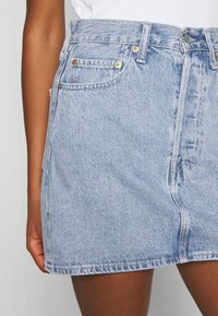 Levi's® - RIBCAGE SKIRT - Denim skirt - light blue denim - 4
