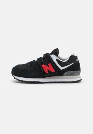 PV574HY1 UNISEX - Sneakers laag - black