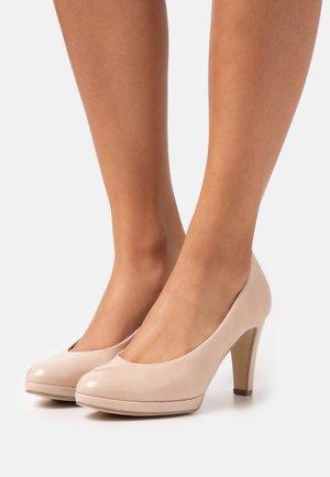 Zapatos altos - sand