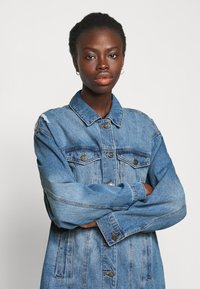 Noisy May Tall - NMFIONA JACKET - Denim jacket - light blue denim - 3