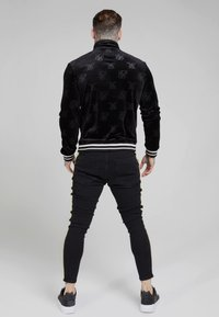 SIKSILK - DEBOSSED JACKET - Giubbotto Bomber - jet black - 2