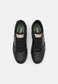 Joma - LIGA 5 - Astro turf trainers - black/gold - 3