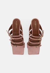 ALOHAS - PRICKLY - Pantofle na podpatku - pale pink - 4