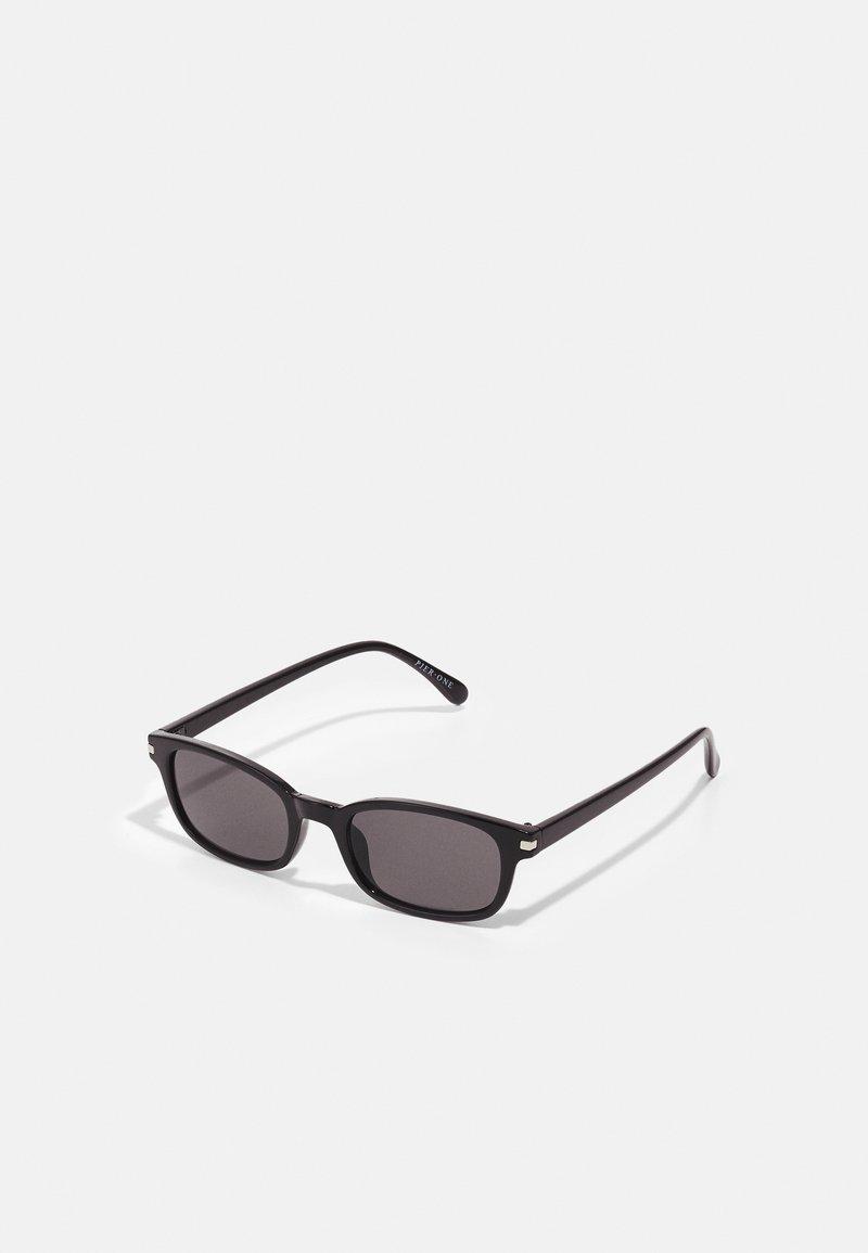 Pier One - Sluneční brýle - black