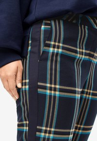 Triangle - GERUITE BUSINESS PANTALON - Trousers - blue ink - 6