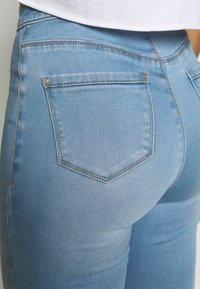 Missguided Petite - VICE HIGH WAISTED - Jeans Skinny Fit - stonewash - 4