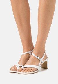 Vagabond - LUISA - Sandals - white - 0