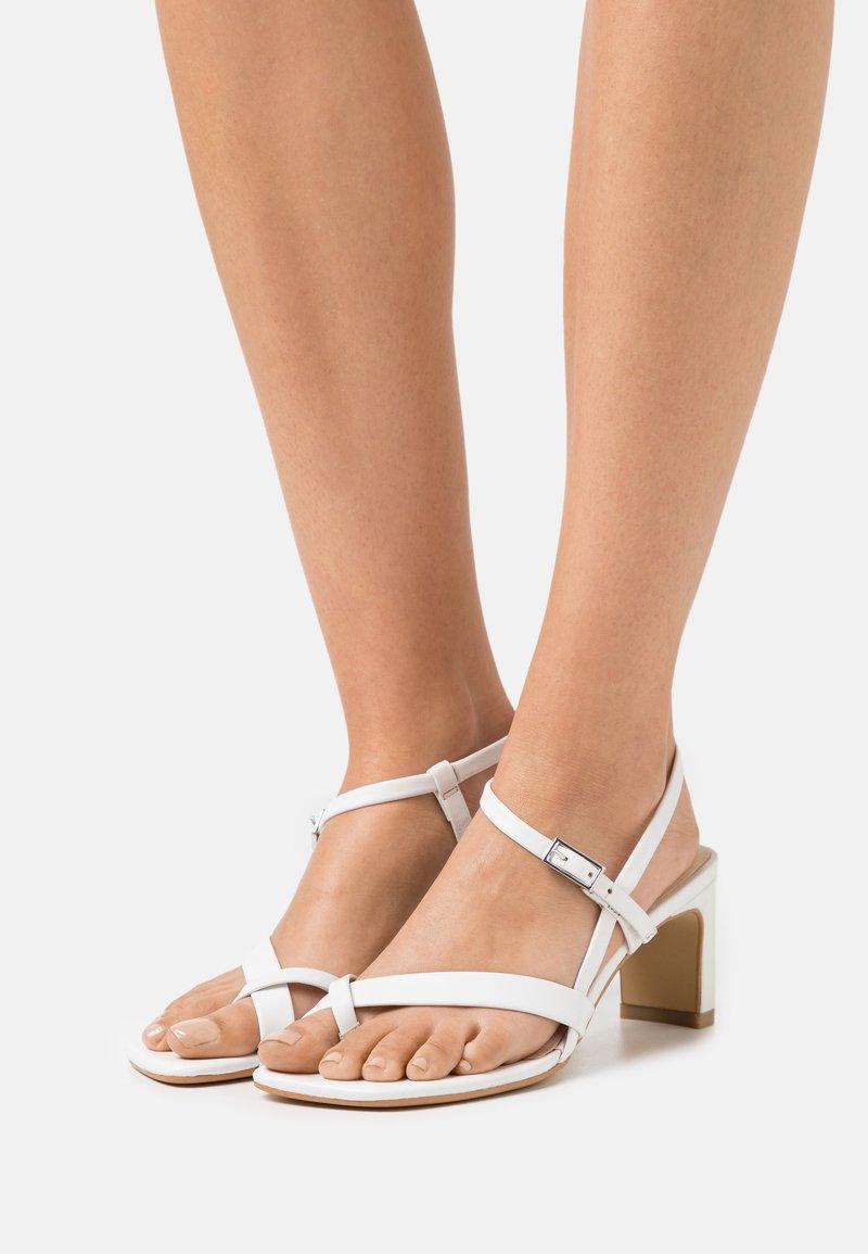 Vagabond - LUISA - Sandals - white