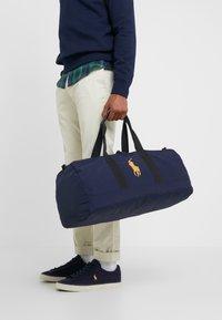 Polo Ralph Lauren - Sportovní taška - cruise navy - 1