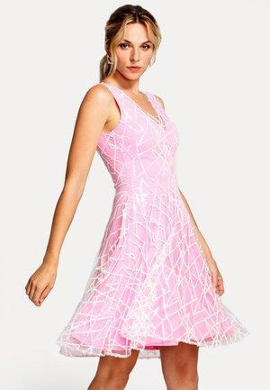Juhlamekko - pink