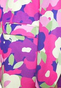 Monki - Abrigo corto - lilac/purple bright - 5