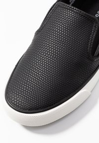 New Look - MIZARD - Slippers - black - 2