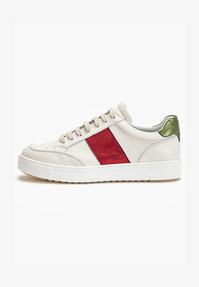 Sneakers laag - red multi rem