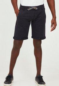 INDICODE JEANS - MIKA - Shorts - jet black - 0