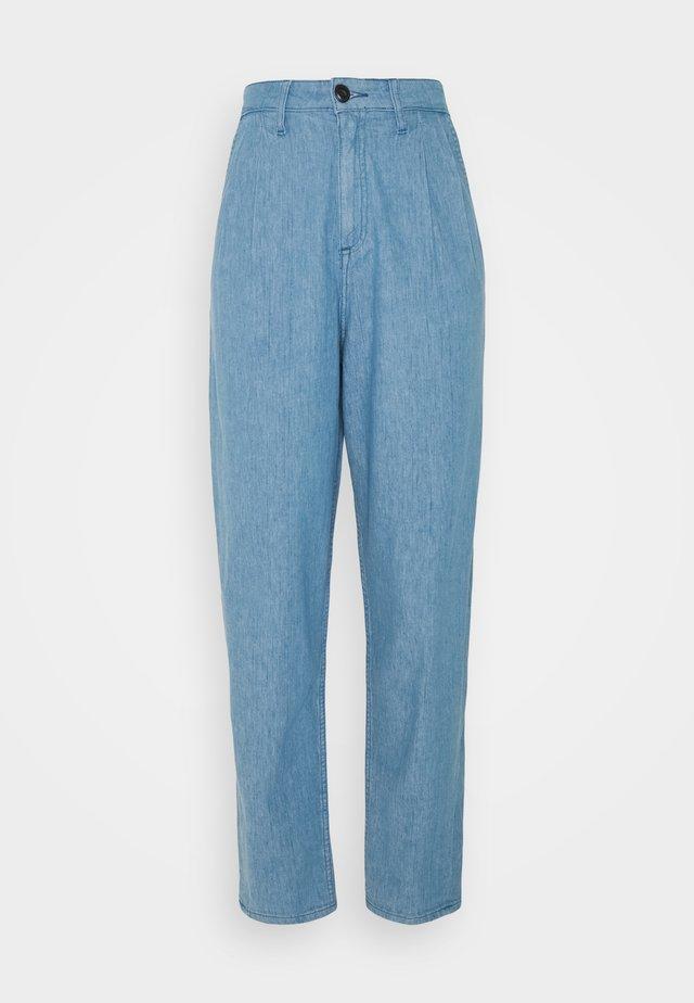 PLEATED STELLA - Zúžené džíny - blue