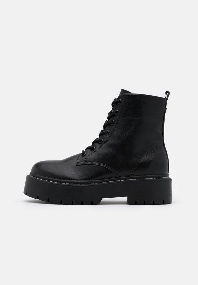 YELABUGA - Kotníkové boty na platformě - black