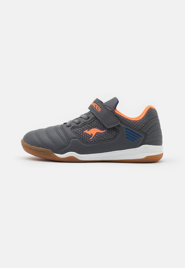 MIYARD - Sneakers laag - steel grey/neon orange