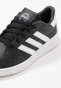 adidas Originals - TEAM COURT - Baskets basses - core black/footwear white/clear black - 2