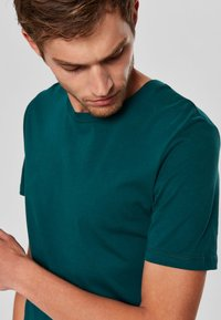 Selected Homme - SHDTHEPERFECT - T-paita - green - 3