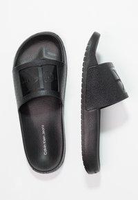 Calvin Klein Jeans - CHRISTIE - Sandály do bazénu - black - 3
