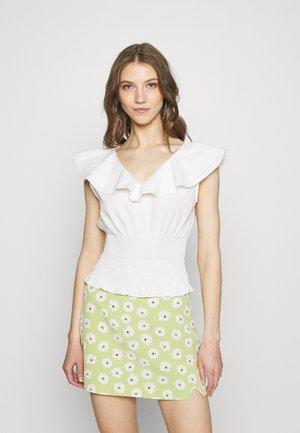 VIKRULLA CROPPED SMOCK - Camiseta estampada - snow white