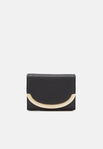 LIZZIE - Wallet - black