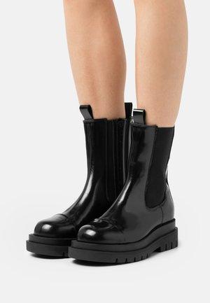 NICOLA  - Kotníkové boty - black