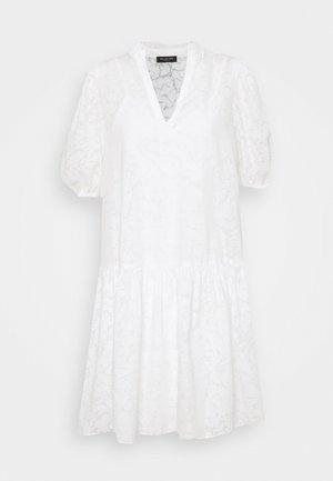 SLFPERNILLA DRESS - Denní šaty - snow white