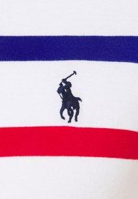 Polo Ralph Lauren - CUSTOM SLIM FIT STRIPED CREWNECK T-SHIRT - Print T-shirt - white multi - 2