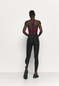 Nike Performance - RUN - Leggings - black/silver - 2