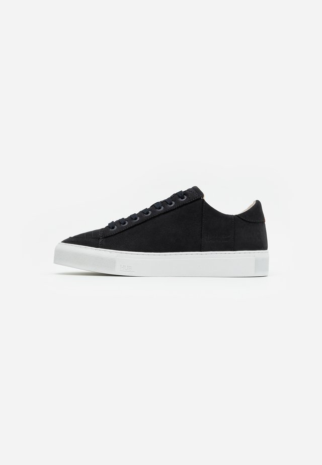 TOURNAMENT - Sneakers laag - dark navy/white