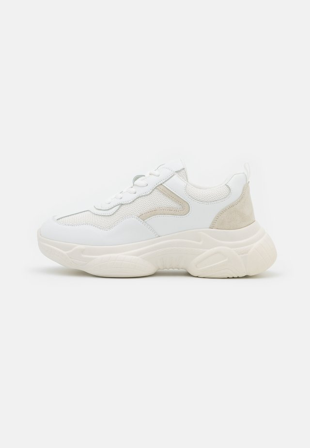 MIXED UPPER TRAINERS - Sneakers laag - white
