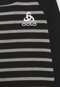 ODLO - ACTIVE WARM ECO KIDS SET UNISEX - Hemd - black/grey melange - 3