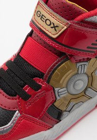 Geox - INEK BOY - Sneakersy wysokie - red - 5