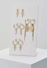 Pieces - Øreringe - gold-coloured - 0