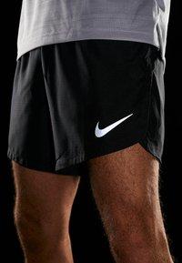 Nike Performance - DRY SHORT FAST - Pantalón corto de deporte - black/reflective silver - 3
