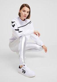 Hummel Hive - CRISSY - Sweatshirt - white - 1