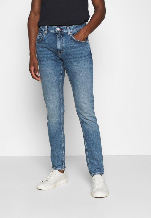 DENTON ATOKA - Jeans Straight Leg - denim