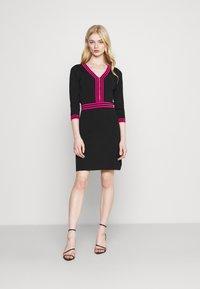 Morgan - Shift dress - noir/bonbon - 1