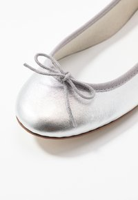Repetto - CENDRILLON - Ballerines - silver - 2