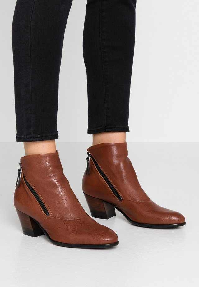 FEDORA - Ankle boots - matix siena