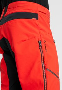 Vaude - MENS VIRT PANTS II - Outdoor trousers - mars red - 5