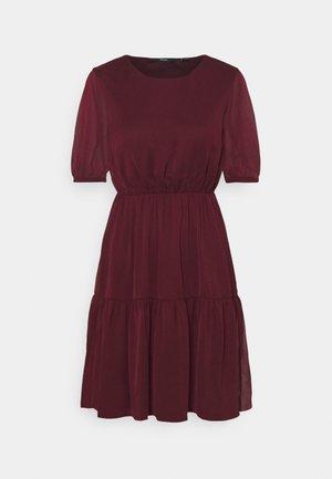 VMKEMILLA DRESS - Robe d'été - port royale