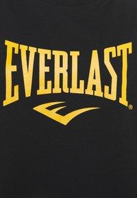 Everlast - T-shirt con stampa - black/nuggets/white - 5