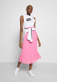 Nike Sportswear - AIR TANK MOCK - Topper - white/black - 1