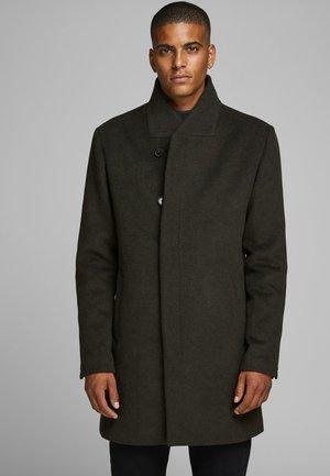 JPRCOLLUM - Short coat - darkest spruce