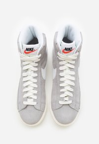 Nike Sportswear - BLAZER MID UNISEX - Baskets montantes - wolf grey/white/sail/total orange/black - 3