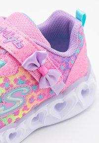 Skechers - HEART LIGHTS - Tenisky - hot pink /lavender/aqua - 5